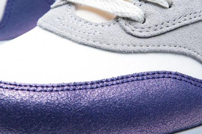 Wmns Am1 Purple Red Toe Detail 1