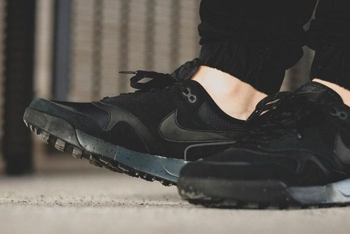 Nike Odyssey Black 9