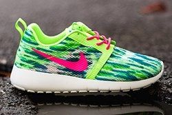 Nike Rosherun Flight Weight Flashlime Thumb