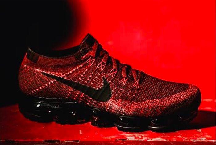 Nike Air Vapor Max Red Black