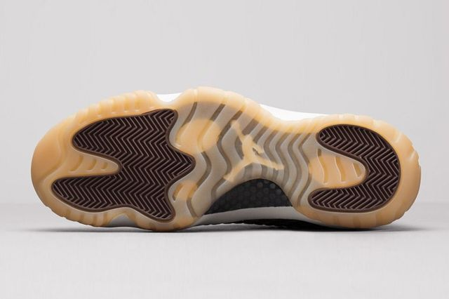 Air Jordan Future Dark Chocolate Bump 7