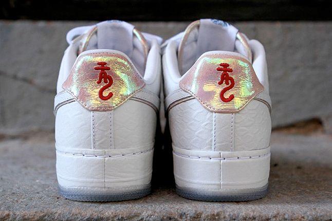 Nike Af1 White Dragon Kith Heel 1