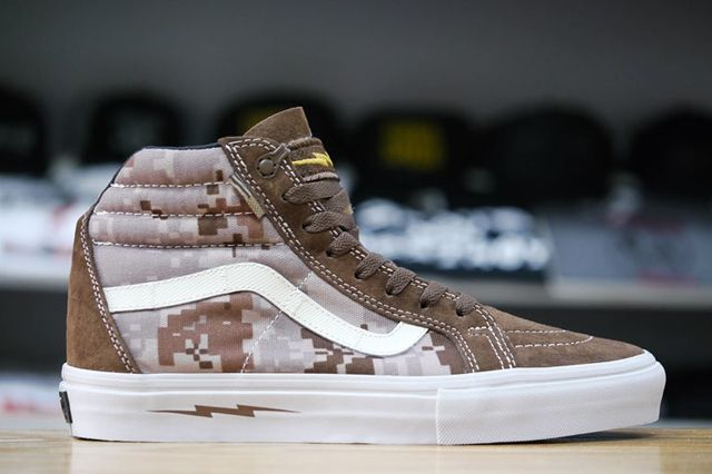 Vans Syndicate Sk8 Hi Notchback Pro Defcon Brown Profile
