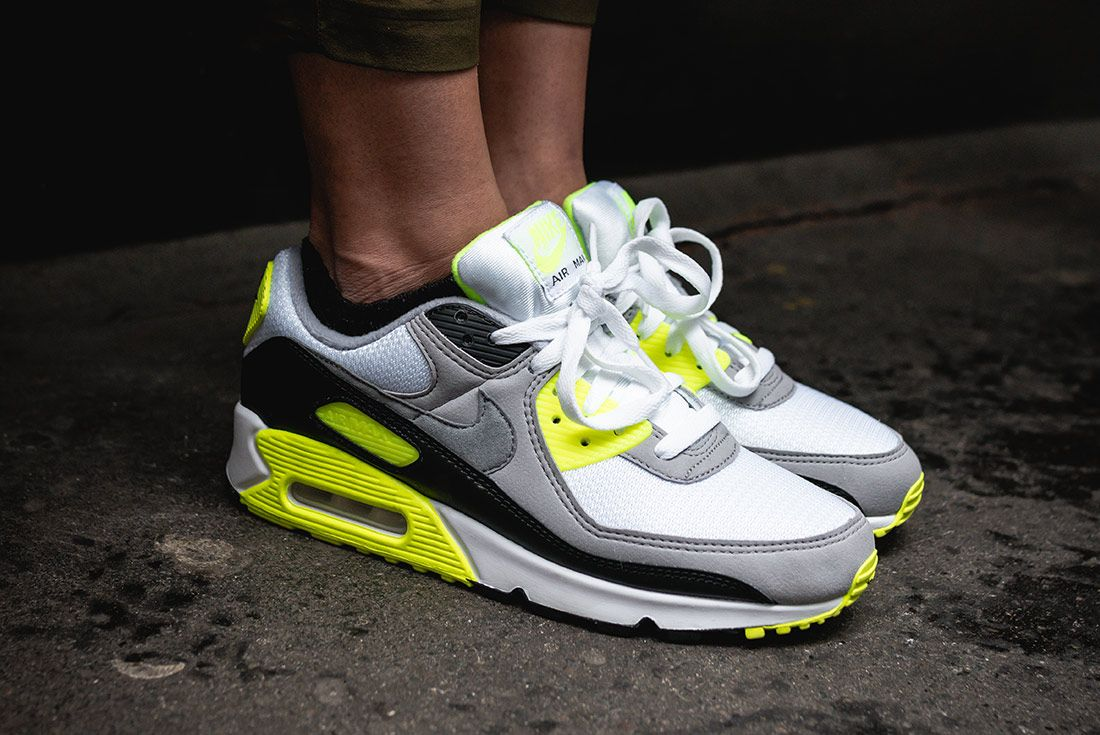 Nike Air Max 90 Volt Styling 3