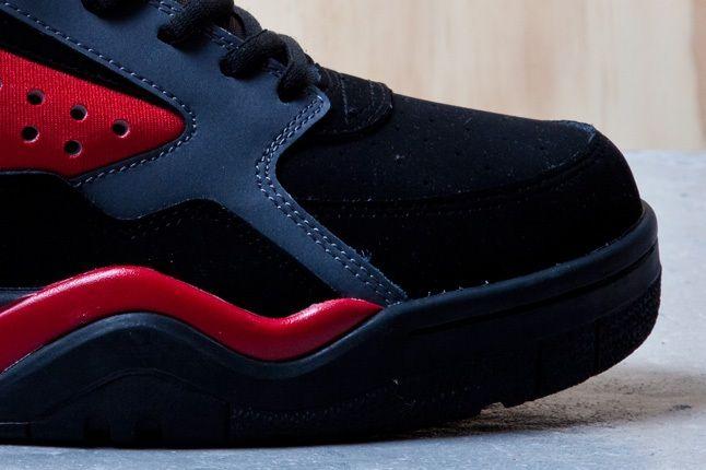 Ewing Focus Black Red Toebox 1