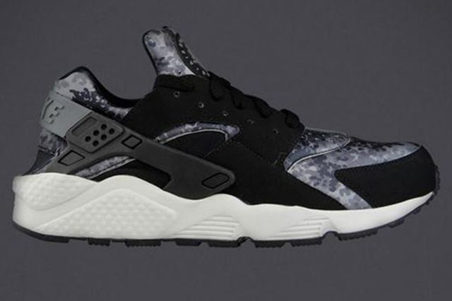 Nike Air Huarache Camo Pack Thumb