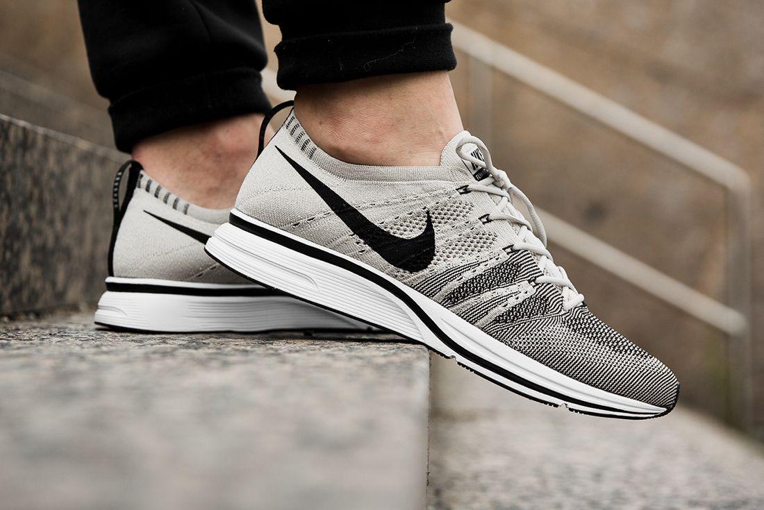 Nike Flyknit Treainer Pale Grey 2