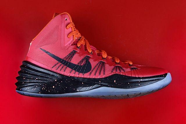 Nike Hyperdunk Sneaker Dissection 9