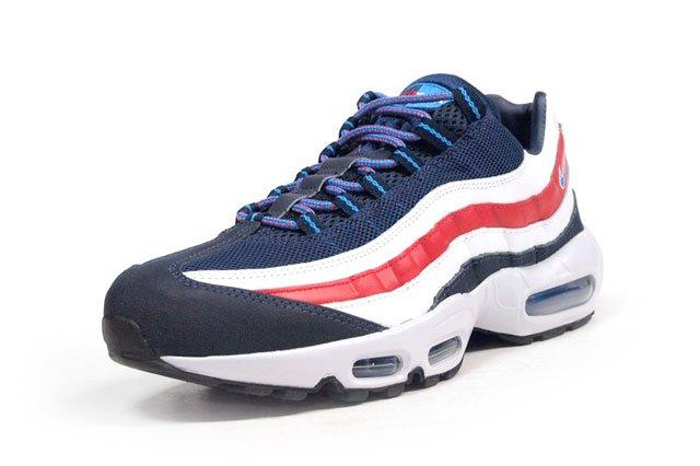 Am95 London Union Jack Perspective2