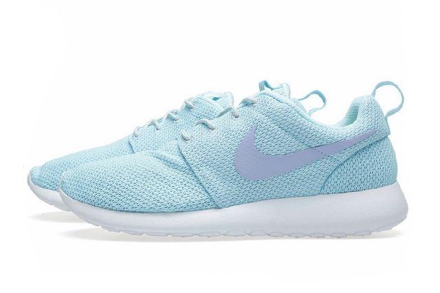 Nike Rosherun Glacier Ice Purple 2
