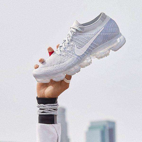 Nike Vapormax Pure Platinum Restock Middle