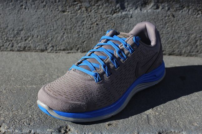 Nike Lunarglide 4 Ext Blue Quater Front 1