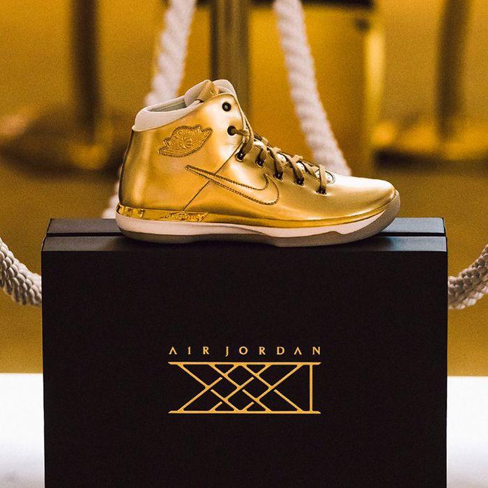 Air Jordan Xxxi Gold3