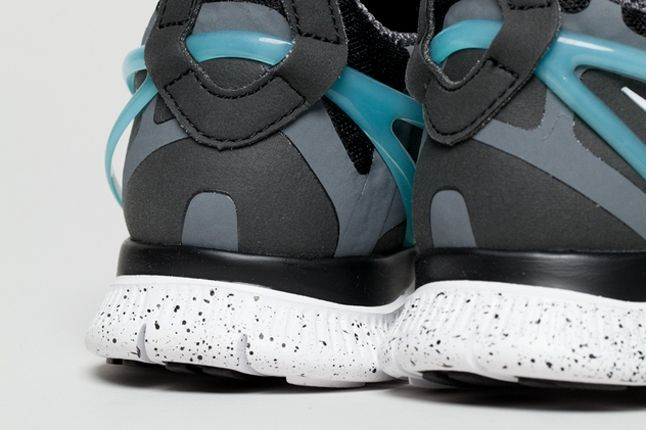 Nike Free Alt Closure Run Drkgrey Blue Heel Detail 1