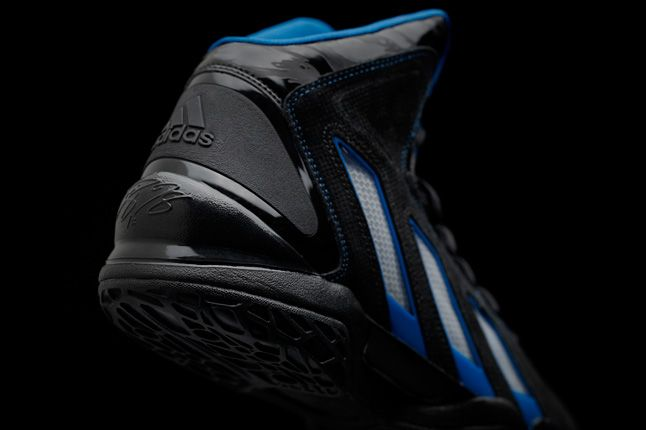 Adipower Howard 3 Black Heel Detail 1