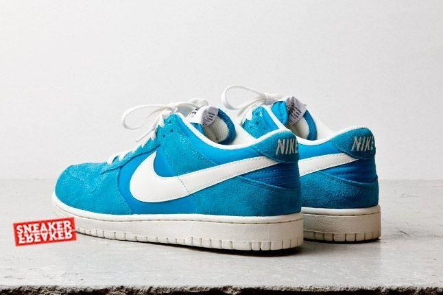Nike Dunk Low Turquoise Heel Quarter