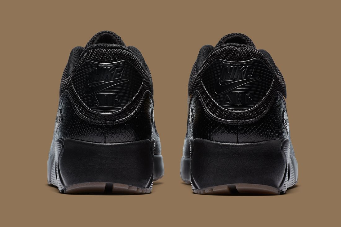 Nike Black Gold Pack 14