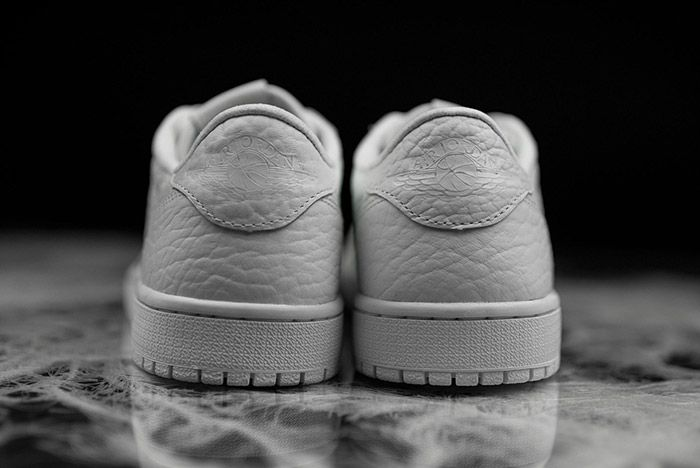 Air Jordan 1 Low Swooshless White 6