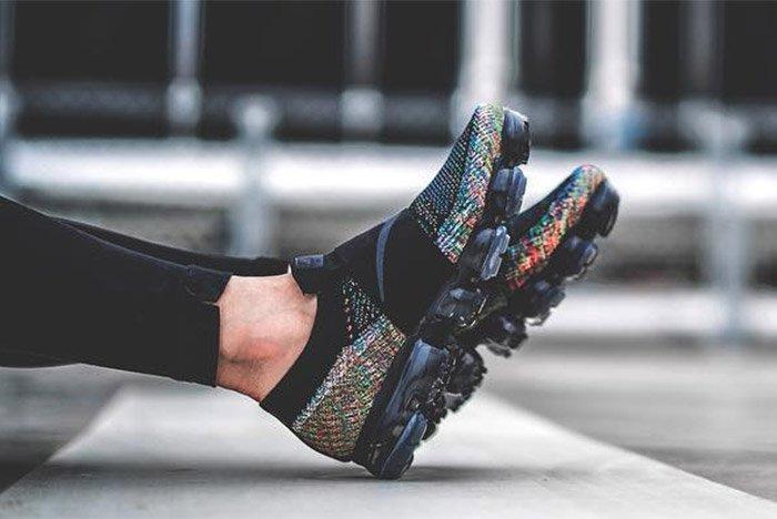 Nike Air Vapormax Strap On Foot 5