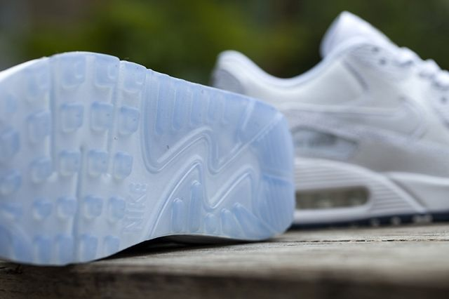 Nike Wmns White Ice Pack 3