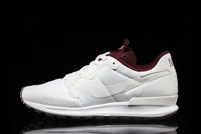 Nike Air Berwuda Premium White Maroon 2