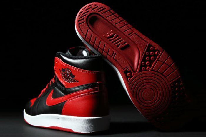 Air Jordan 1 5 Bred5