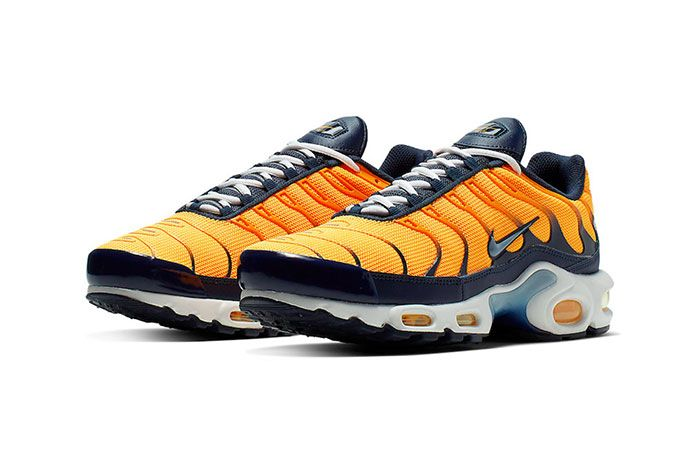 Nike Air Max Plus Navy And Orange Front Angle Shot 5