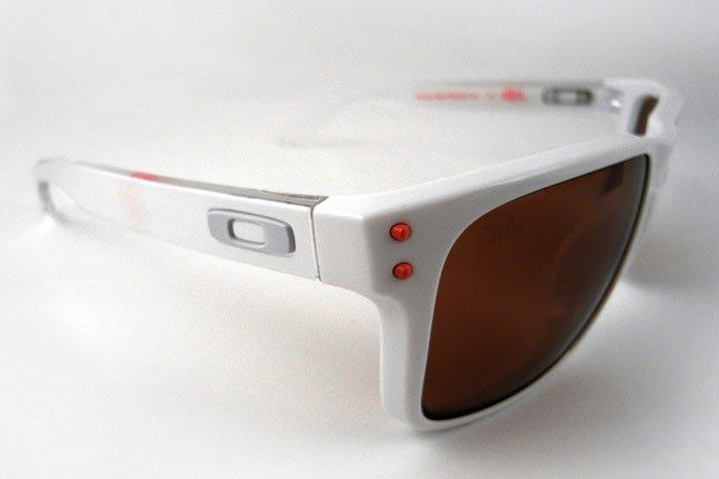 Staple Oakley Holbrook 02 1