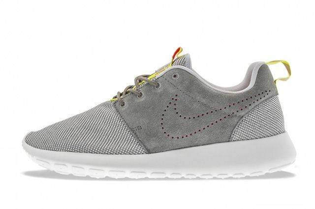 Nike Roshe Run Perf Swoosh Pack 1