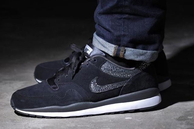 Nike Air Safari Black Anthracite 1