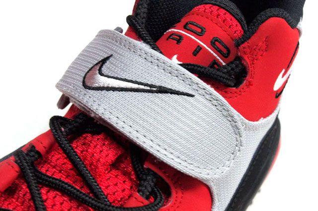 Nike Air Zoom Turf Red Closeup