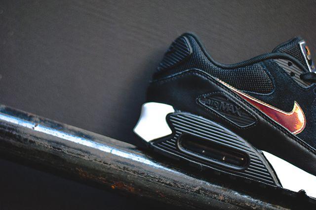 Air Max 90 Iridescent Black 3