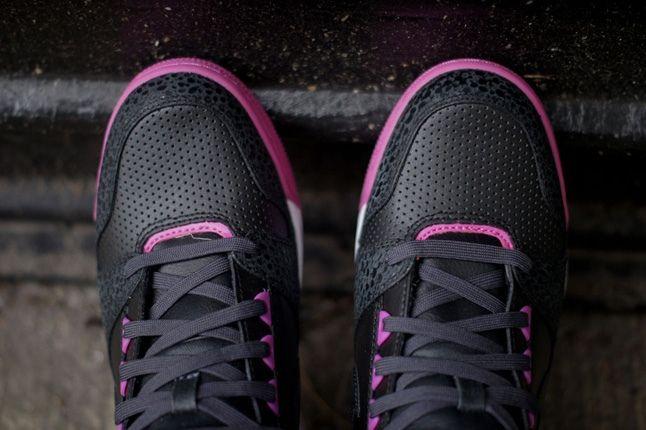 Nike Revolution Sky Hi Prplsafari Toe Detail