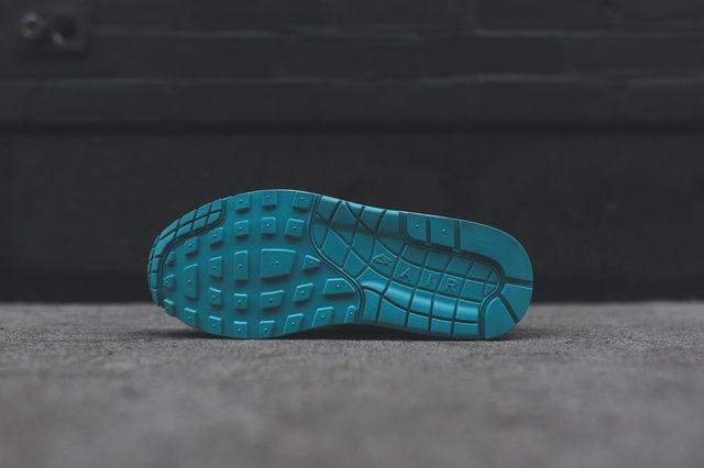 Nike Am1 Artisan Teal Bumper 5