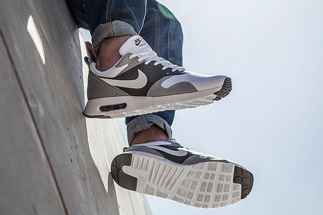 Nike Air Max Tavas (White/Cool Grey) - Sneaker Freaker