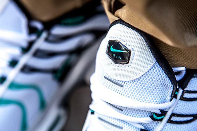 Air Max Plus (Tiffany) - Sneaker Freaker