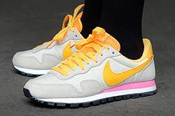 Nike Wmns Pegasus 83 Light Orewood Brown Atomic Orange Thumb