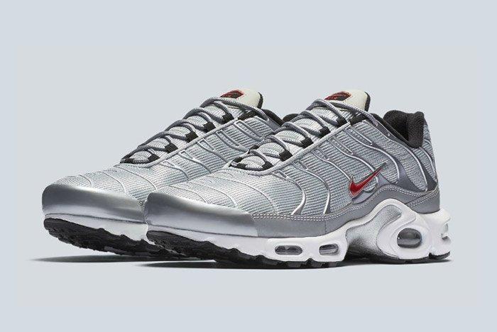 Nike Air Max Plus Silver Bullet Tn 5