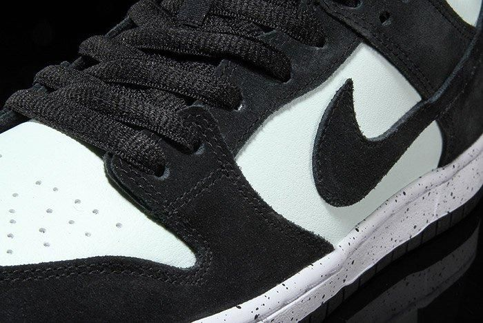 Nikesb Dunk Low Black Barelygreen3