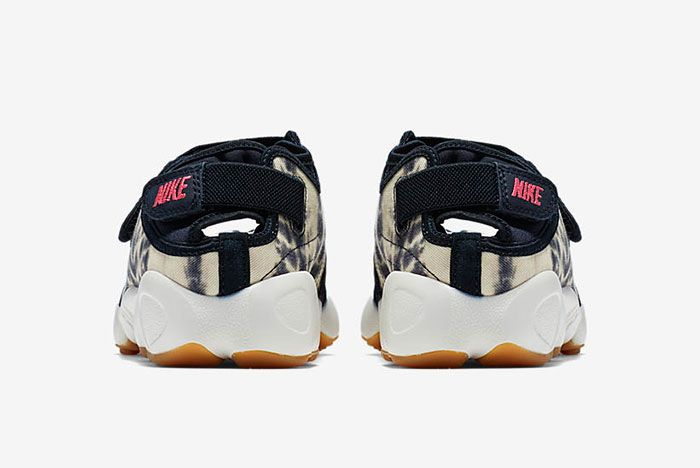 Nike Air Rift Valley Pack 5