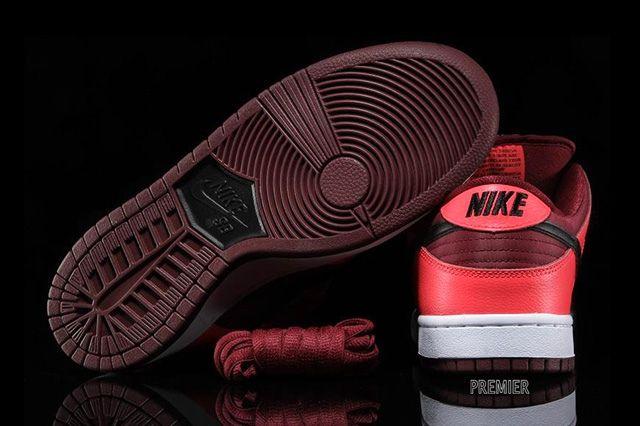 Nike Sb Dunk Low Laser Crimson 5