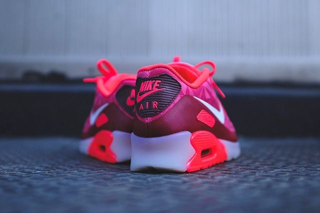 Nike Air Max 90 Ice Laser Crimson 3