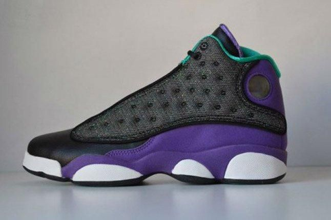 Air Jordan 13 Black Ultraviolet Atomic Teal Profile 1