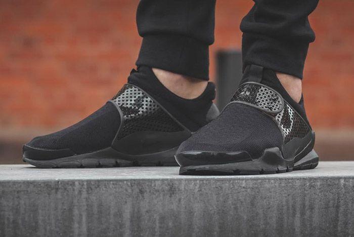 Nike Sock Dart Black 3