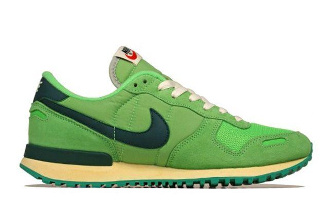 Nike Air Vortex Vntg Profile 1