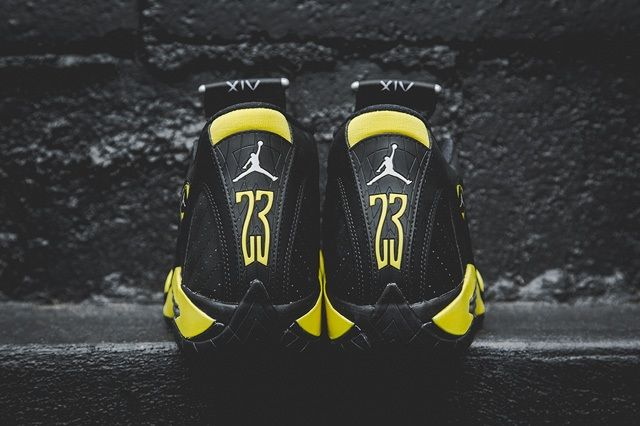 Air Jordan 14 Thunder Bump 4
