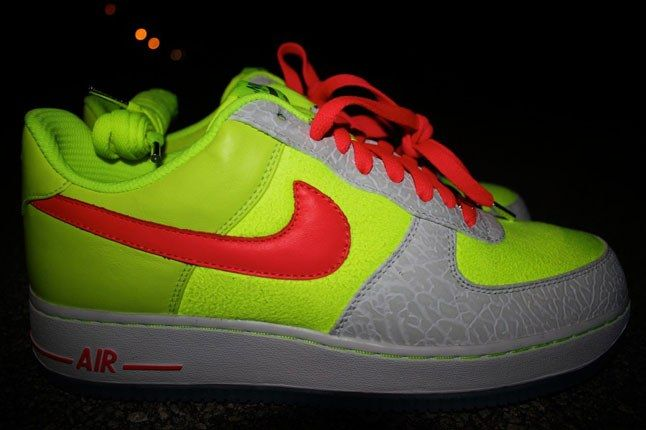 Air Force 1 Sneakerbox Clyde High Vis 1 1