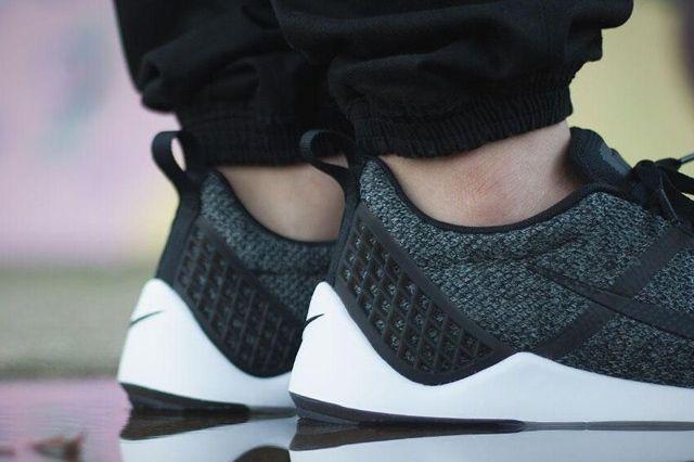 Nike Lunarestoa 3
