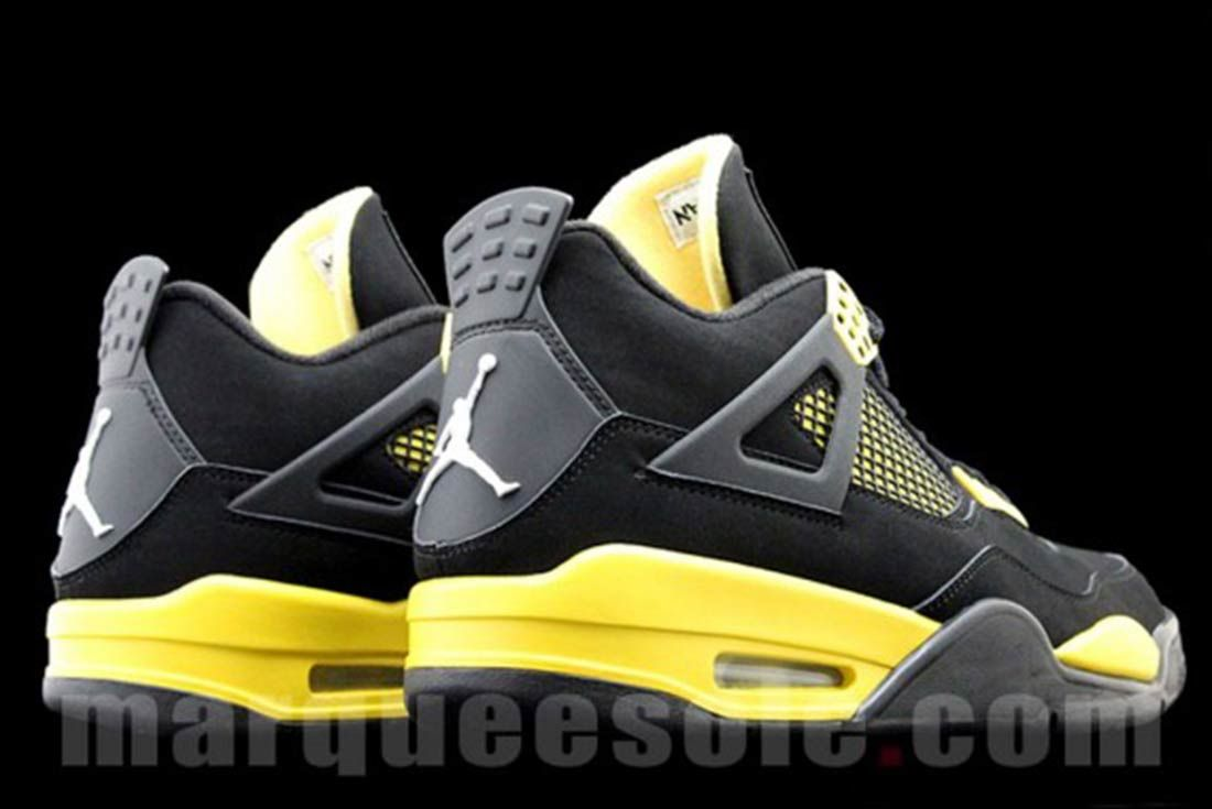 Air Jordan 4 Trhunder Retro