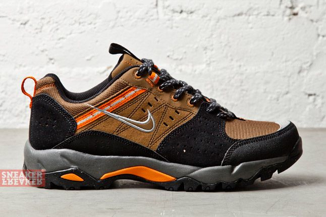 Nike Salbolier Military Brown Metallic Silver 3